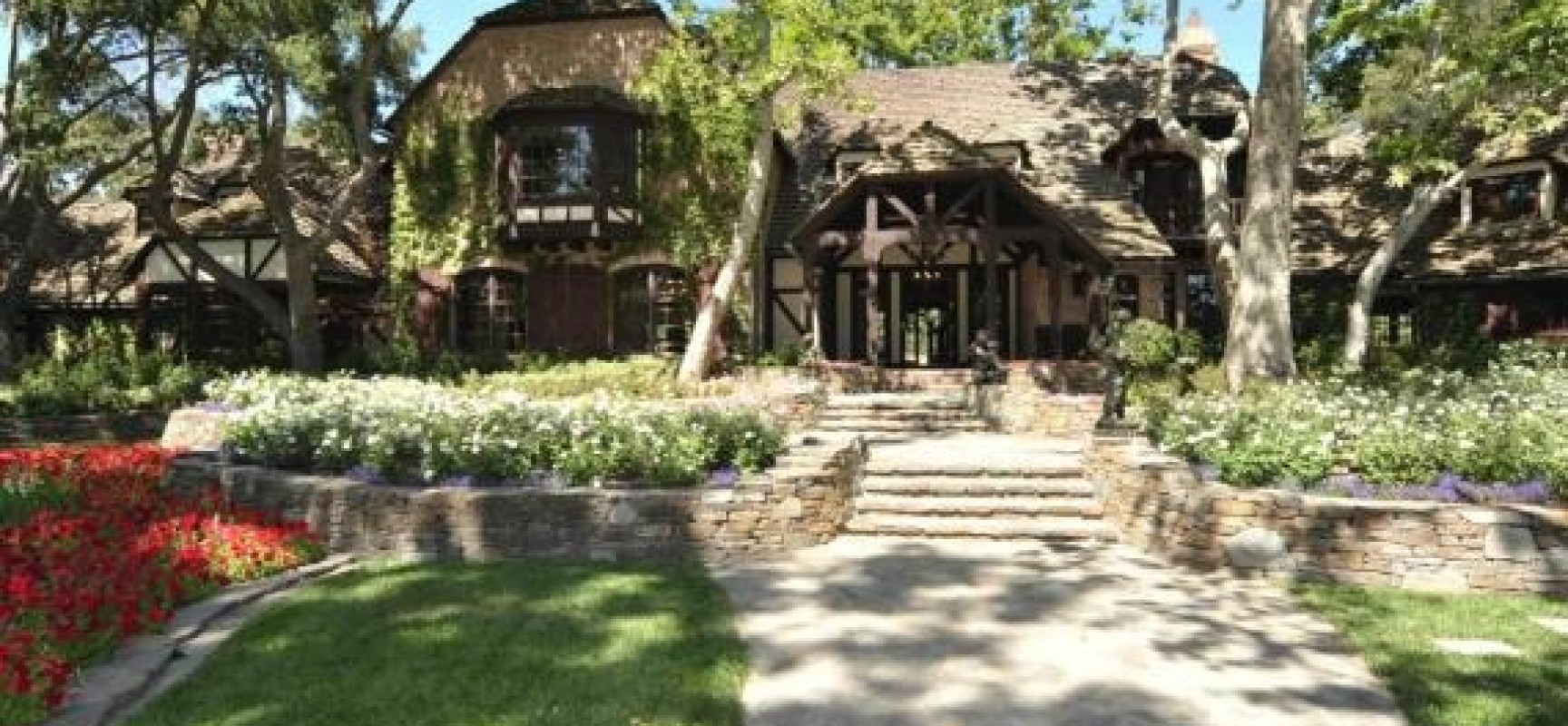 Michael jackson 39 s neverland ranch for sale for 100 for Michael jackson house for sale