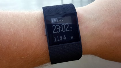 how to use my fitbit surge