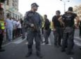 Palestinians attack Israeli soldiers, civilians, with knives, one killed: Israel