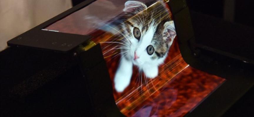 Foldable Screens Breakthrough: New Super-Flexible & Super-Strong Touchscreens
