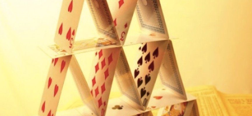 ALERT: Paul Craig Roberts Just Warned The Global Financial House Of Cards May Not Make It Through This Year