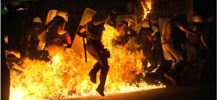 Man Who Predicted Riots In Athens Warns All Hell Is Going To Break Loose