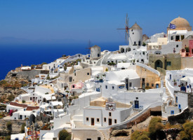 5 Reasons to Go to Greece Right Now