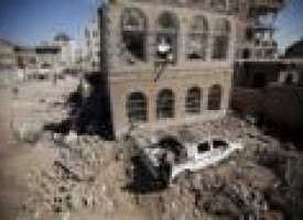 Saudi-led coalition drops weapons for allies in Yemen