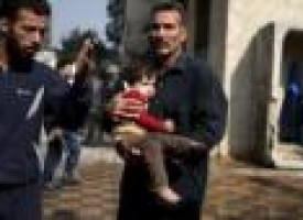 Missiles kill more than 40 in Syrian market: monitor, rescuers