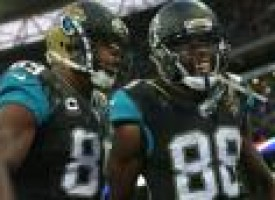 Jaguars blow huge lead, then rally to get a thrilling win in London