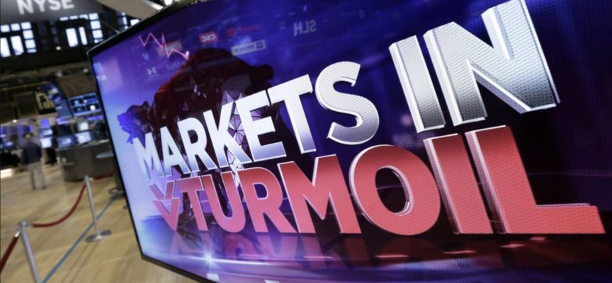 Dow Plunges Over 800 Points As Selloff Intensifies, Here's What's Happening